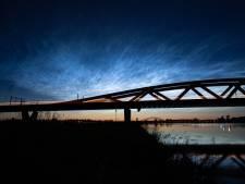 Ongekend mooie lichtende nachtwolken boven Oost-Nederland