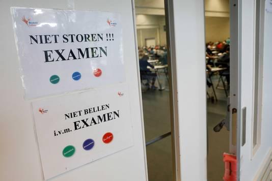 Geluidsoverlast haalde examenkandidaten uit hun concentratie.