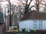 Man overleden na val uit hoogwerker in Weerselo