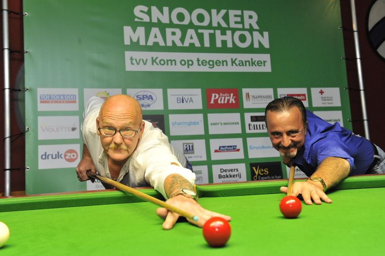 William Bayens (l.) en Georgios Michailidis willen het wereldrecord snooker breken voor Kom op tegen Kanker.