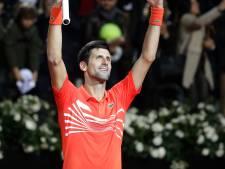 Djokovic heeft handen vol aan Schwartzman maar knokt zich naar finale
