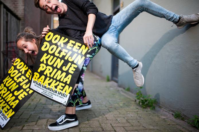 Afslag Eindhoven, dolfijn op de foto: Tosca Sommerdijk en Kevin McKee