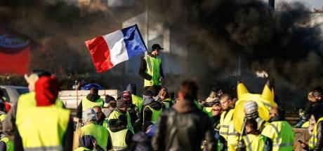 Franse politie bereidt zich gespannen voor op eerste verjaardag Gele Hesjes