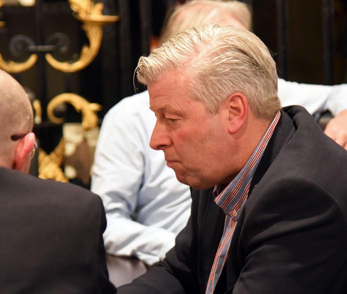 Wim Huigh, voormalig D66-raadslid in Sluis, heeft commissaris van de koning Polman gevraagd in te grijpen bij de gemeente Sluis.