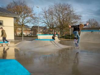Vuurwerk en samenscholingen op pas geopend skatepark: gemeente dreigt met tijdelijke sluiting