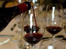 Vlaamse vrouw sterft na drinken wijn uit Nuenen waarmee mogelijk gerommeld werd