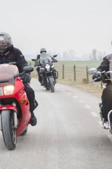 Irritatie over motorrijders van bewoners aan Lekdijk neemt toe