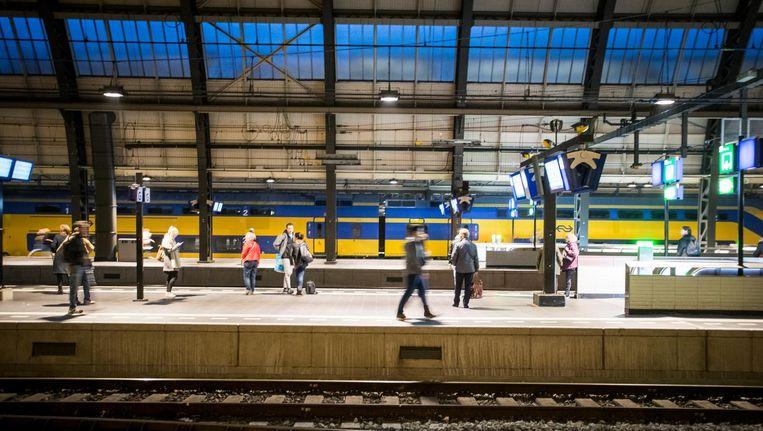 Reistijd Van En Naar Amsterdam Moet Flink Omlaag Het Parool