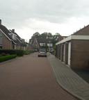 Aan de rechterzijde van dit gedeelte van de Pleinstraat werd een handgrannaat aan een woning gehangen