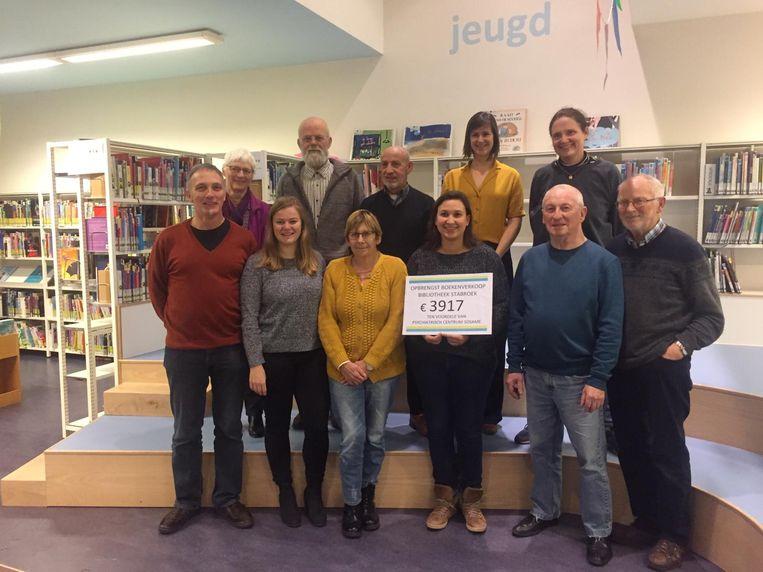 De opbrengst van de boekenverkoop leverde 3.917 euro op.