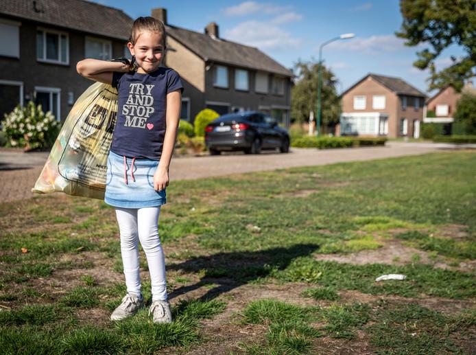 De zevenjarige Vika Mansvelders nam het initiatief om Heeze een stuk schoner te maken.
