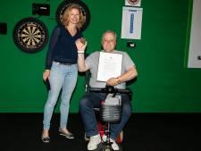 Hans Willink ontvangt Haagse Sportpenning voor steun aan gehandicapten