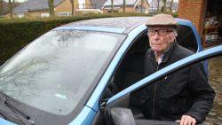 """Gaston (101) staat rijbewijs spontaan af voor hij naar politierechtbank gaat: """"Het doet pijn, maar het is mooi geweest"""""""