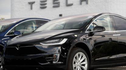 """Tesla bouwt bijna 1.000 auto's per dag"""