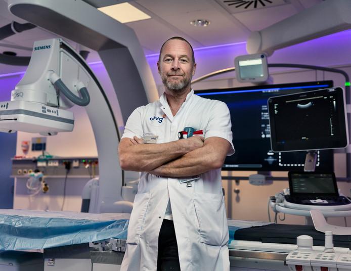 """,,Zolang dokters hoop geven, hoeven ze niet te zeggen: u gaat dood"""", aldus Warner Prevoo."""