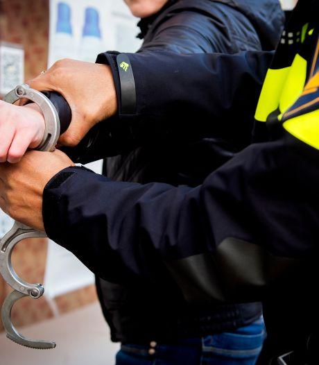 Vijftien voortvluchtige veroordeelden opgepakt, ook aanhouding in Enschede
