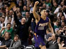 VIDEO: Booker jongste ooit met 70 punten in een NBA-duel