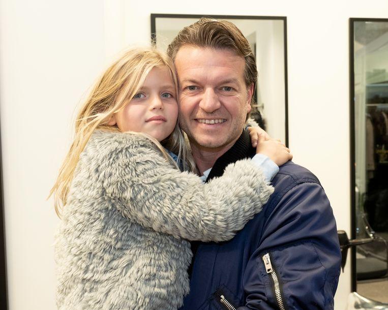 Valentina, het dochtertje van Tanja Dexters, hier met papa Miguel.