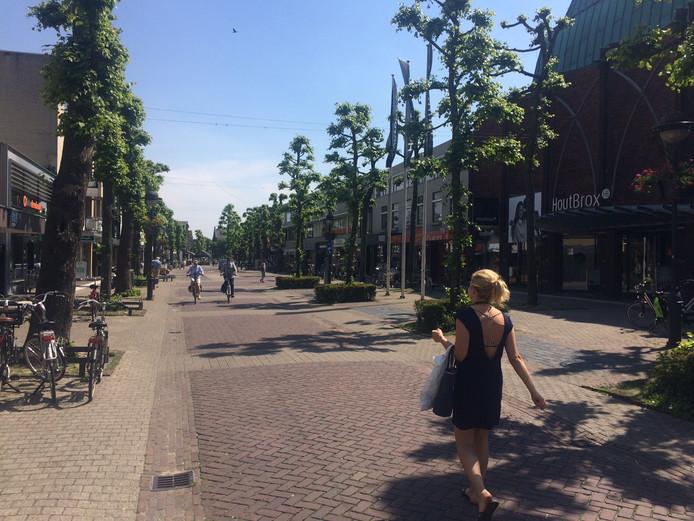 Een nieuwe vereniging gaat de promotie van het winkelcentrum in Uden regelen. Een meerderheid van de raad besloot dat donderdagavond.