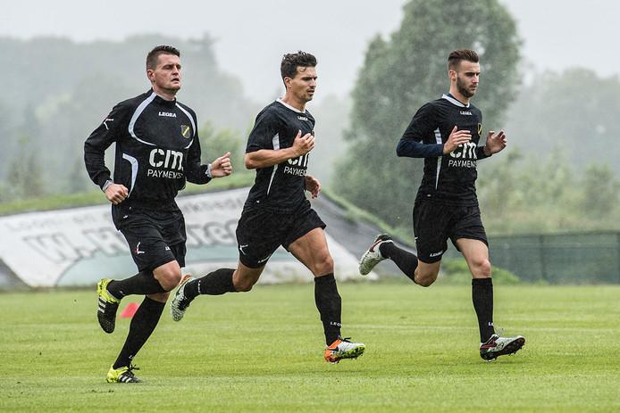 (vlnr) Michael Dingsdag, Gianluca Nijholt en Danny Verbeek tijdens de eerste training van NAC.