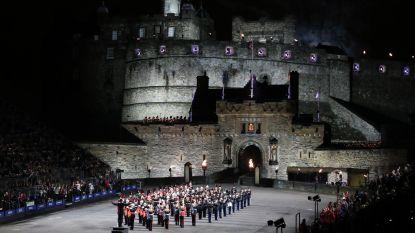 Ypriana blaast Last Post aan voet van kasteel in Schotse hoofdstad