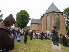 'Idealist' Lebuinus kijkt weer uit over IJssel