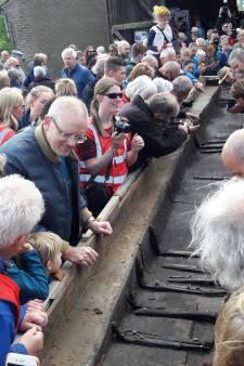 Na 1700 jaar ziet kano uit de Maas weer het zonlicht