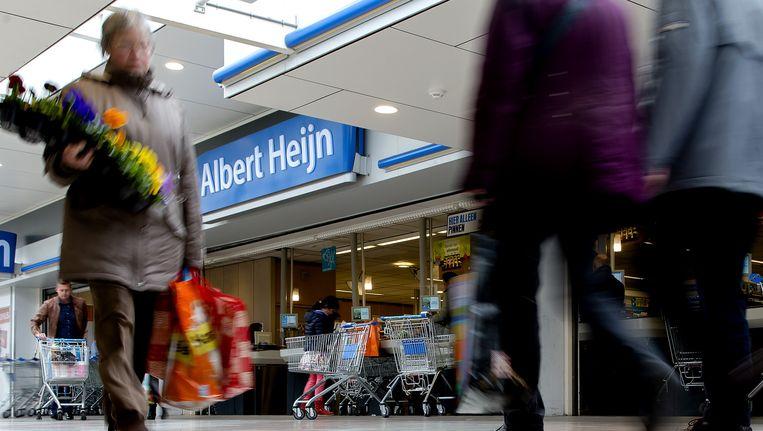 Albert Heijn blijft vanaf eind mei in negentig filialen doorgaan met de PostNL-punten. Beeld anp