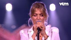 Karen raakt gevoelige snaar en zingt één van de favoriete eigen nummers van Gene Thomas in 'Liefde Voor Muziek'
