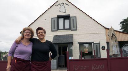 Taverne van Joël Smets wordt sinds kort uitgebaat door twee Nederlandse zussen