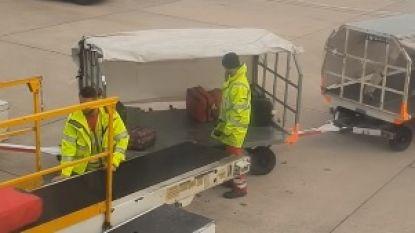 Reiziger filmt hoe roekeloos personeel met bagage gooit op luchthaven
