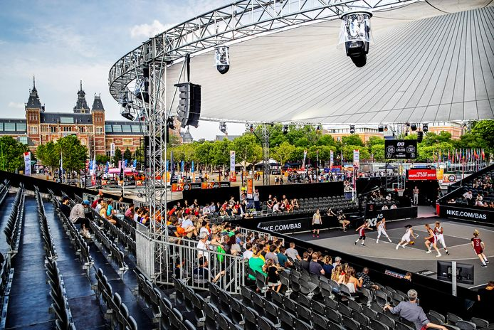 De arena op het Museumplein in Amsterdam.