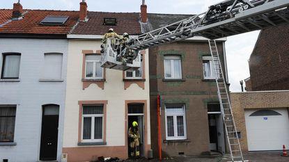 Brandweer voorkomt schade aan daken