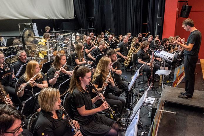 Het Vierdaagse Orkest gaf vorig jaar in de aanloop naar de Vierdaagse-optredens in de regio, een try-out in cultureel centrum Myllesweerd in Mill.