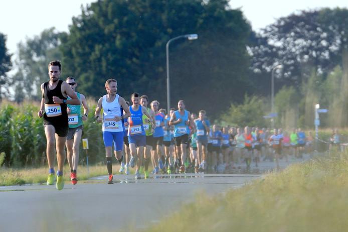 In Hulshorst gingen tweehonderd atleten van start voor de Wiekenloop.