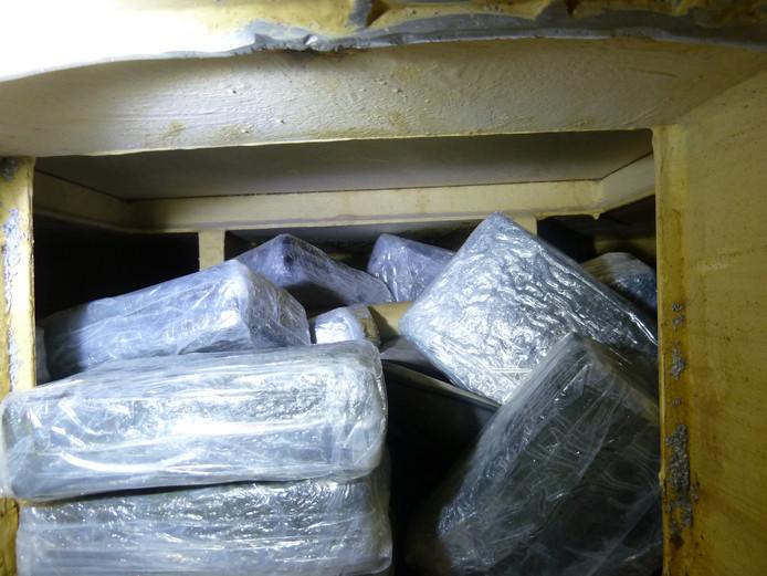 Man uit Kesteren in Engelse cel voor smokkel 1 200 kilo coke | Neder