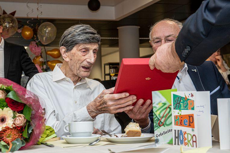 Andreas kreeg ook felicitaties van het koningshuis en een foto van het koningspaar.