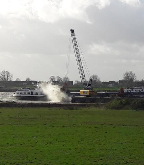 Inwoners gaan Over de Maas 'afsluiten' uit protest tegen stort van granuliet