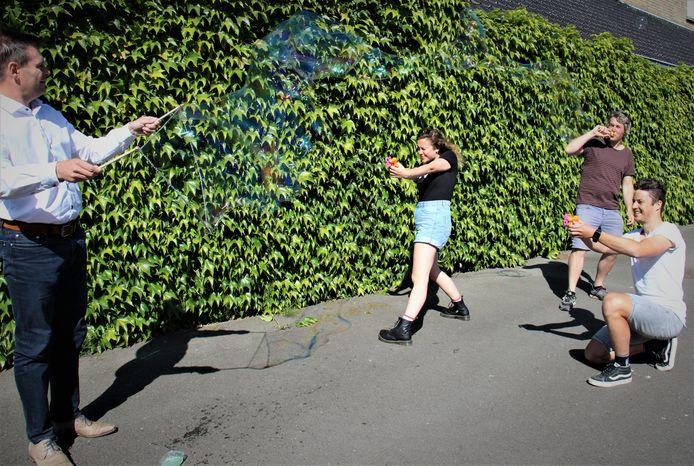 Schepen Lieven Huys en de jeugddienst gaan voor 'bubbelkampen' deze zomer