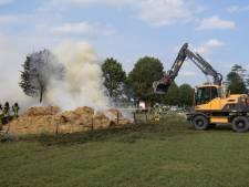 Brandende hooiwagen zorgt voor problemen in Kilder