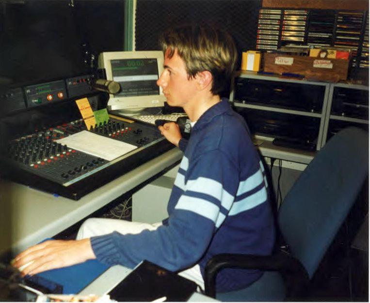 Bjorn Verhoeven was amper vijftien toen hij voor de eerste keer presenteerde op de radio.