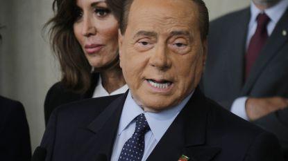 Draagt Berlusconi een masker? Na zoveel cosmetische ingrepen zou je bijna gaan twijfelen