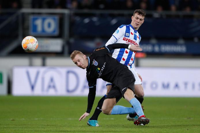 """Mike van Duinen liep in het uitduel met Heerenveen een enkelblessure op, waardoor hij in zijn geboortestad Den Haag mogelijk ontbreekt bij PEC Zwolle. ,,ADO is speciaal voor me. Die wedstrijd is bovendien vrijdag al. Elke dag gaat nu tellen voor me."""""""