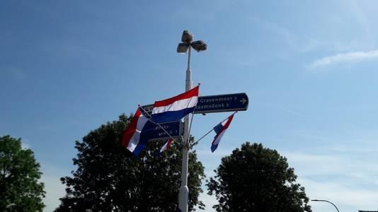 Waspik hangt de vlag uit.