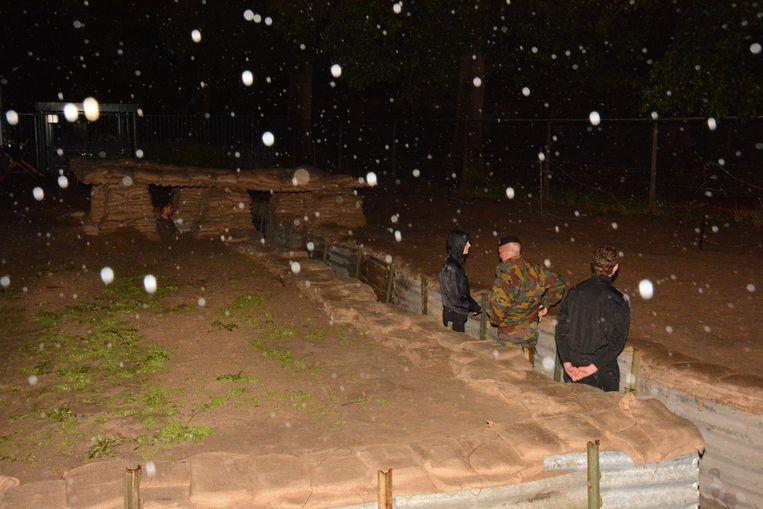 De weergoden zijn de frontsoldaten in de loopgraven niet goed gezind.