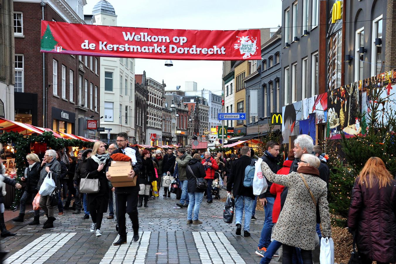 De tweede dag van de Dordtse kerstmarkt is afgelast.