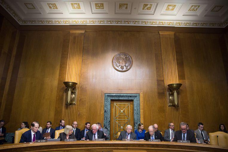 In de senaat wordt druk vergaderd over de hervorming van het belastingstelsel.  Beeld Getty Images