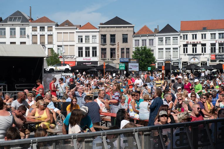 Bierfeesten op zondag: puffen onder de zon...