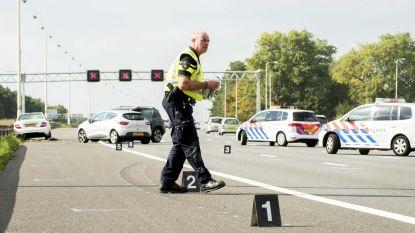 Dode en gewonden na politieachtervolging in Nederland