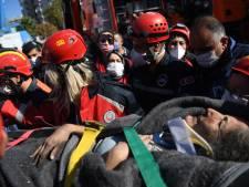 Turkse hulpverleners halen moeder en drie kinderen na 18 uur onder puin vandaan
